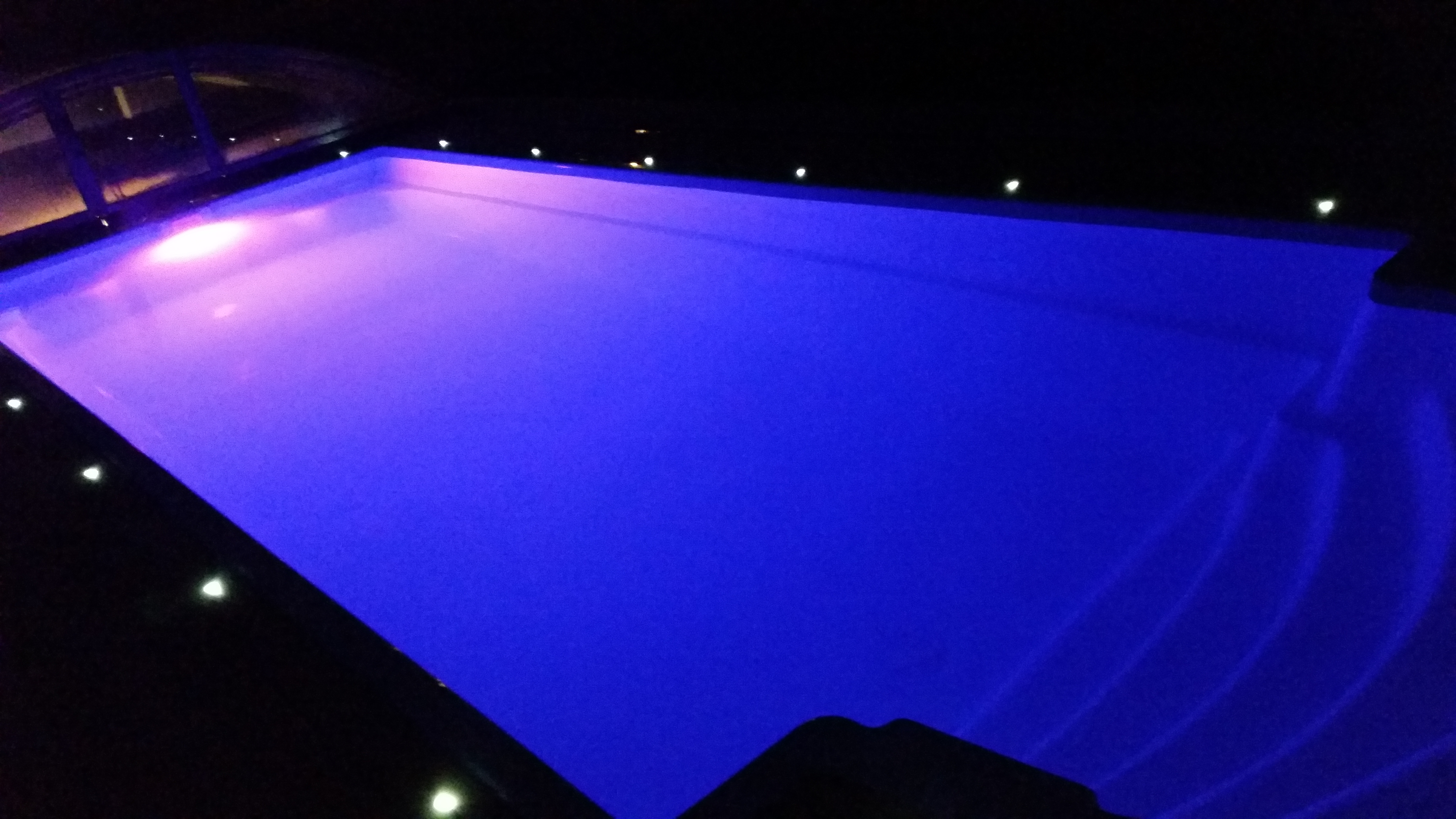 Hydro glassfiberbasseng lilla lys